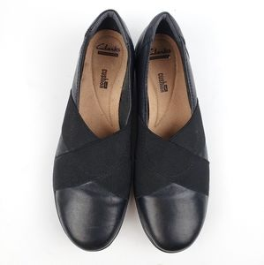 Clarks Collection Black Leather slip ons sz 9